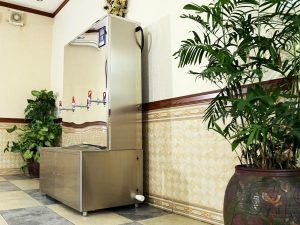 nước nóng nhà hàng